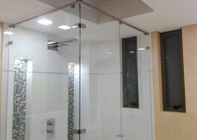 Divisiones de baño en vidrio templado bogota 1