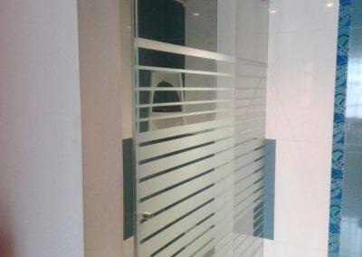 Divisiones de baño en vidrio templado bogota 2