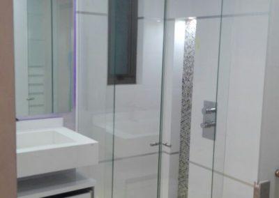 Divisiones de baño en vidrio templado bogota 4